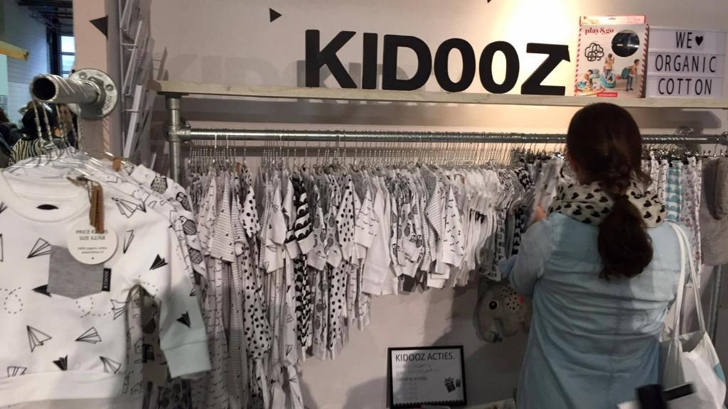 Kidooz Stand